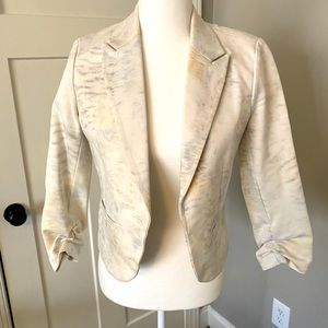 Cropped white patterned blazer/jacket